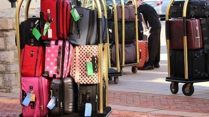 Trucos para colocar mejor el equipaje si vas a viajar con niños