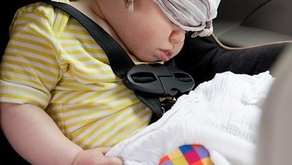 Consejos para viajar con niños en coche de alquiler
